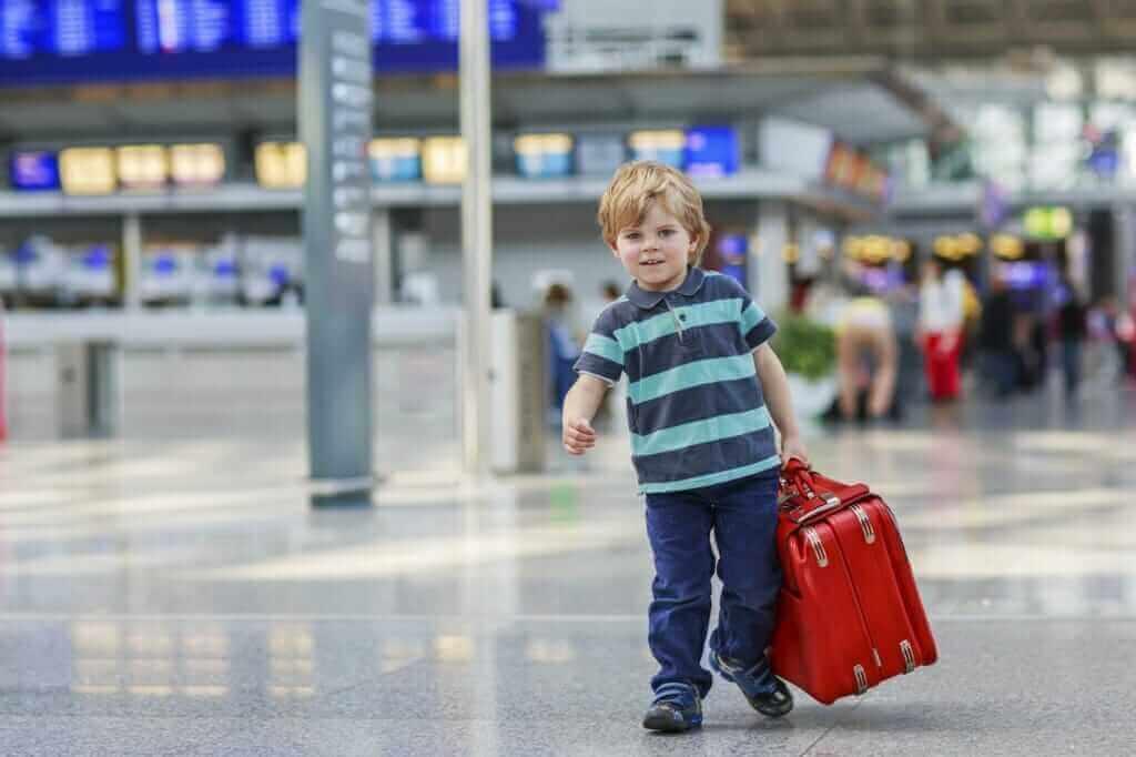 Cia aérea é condenada por deixar menor sem amparo em aeroporto.