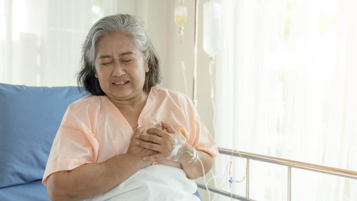 Plano de saúde deve reembolsar cardíaca pela contratação de avião UTI