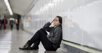 Cancelamento de voo: Pernoite em abrigo da prefeitura garante danos morais de R$ 60 mil a família