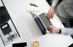Advogado online: contratando escritório de advocacia online