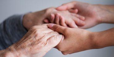 Home care: segurada idosa consegue cobertura de tratamento pelo plano de saúde na Justiça