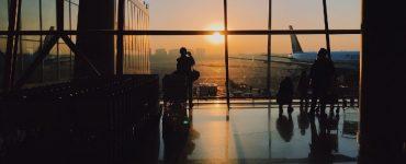 Atraso de voo e perda de conexão: família receberá R$30 mil de danos morais