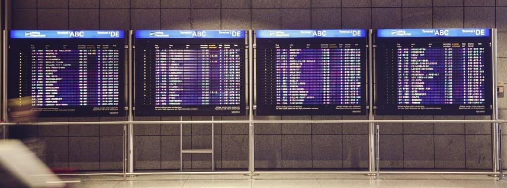 voo-atrasado-danos-materiais-avião-fretado