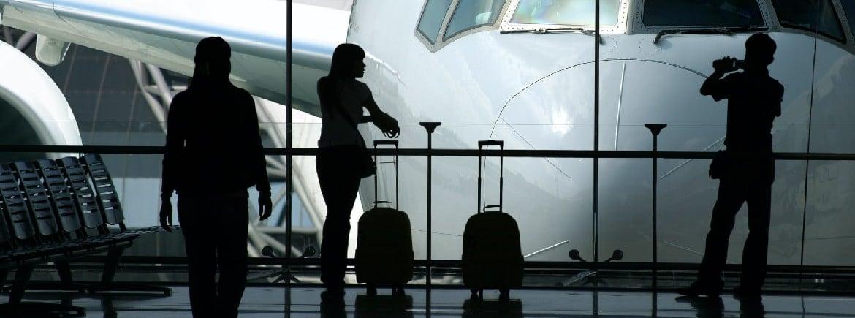 R$ 15 mil de danos morais por cancelamento de voo na pandemia